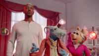 MuppetsNow-S01E02-HotYoga