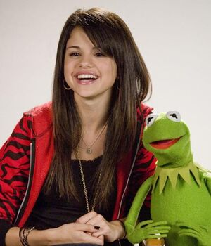 Selena Gomez and Kermit the Frog