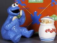Enesco 1993 salt pepper shakers cookie monster jar 2