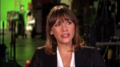 "Disney's ""The Muppets"" - Rashida Jones Interview"