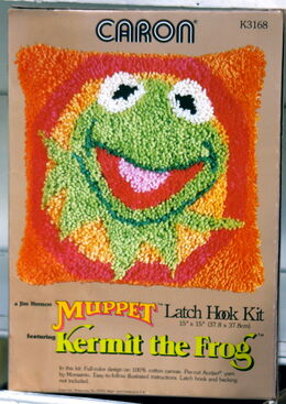 Caron kermit latch hook kit
