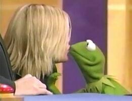 Kiss Kermit Natalie Maines