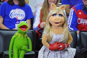 Kermit and Piggy at the Clippers game