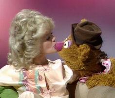 Kiss Connie Stevens Fozzie