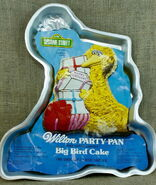 Wilton 1978 big bird cake pan