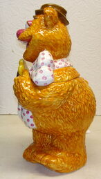 Treasure craft cookie jar fozzie bear 2