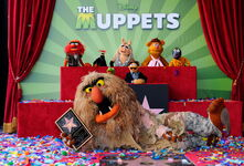 TheHollywoodWalkOfFame-TheMuppets-(2012-03-20)02