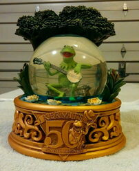 Disney store snowglobe 50th kermit anniversary