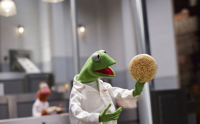 File:Kermit-Warburtons.jpg