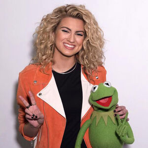 Tori Kelly and Kermit the Frog