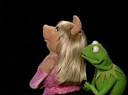 Muppetshowlive-piggy