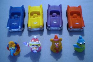 Carls Jr toys 02
