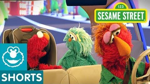 Sesame Street I Spy with Elmo and Rosita Car Game 2