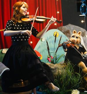Lindsey Stirling Piggy