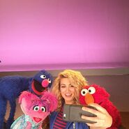 ToriKelly-Grover-Abby-Elmo