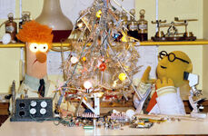 Bunsen Beaker xmas tree lab 1981