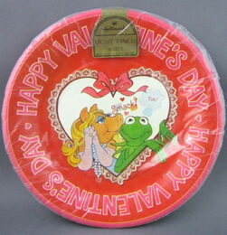 Hallmark 1981 valentines party set 1 copy