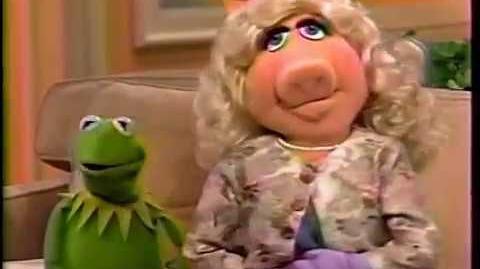 Miss Piggy breaks up with Kermit on Today