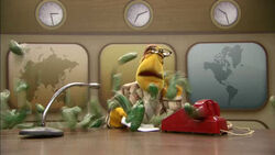 TheMuppetsKitchen-WorldsBiggestSandwich-Newsman