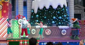 Ussingapore dec 2013 sesame street saves christmas show 6