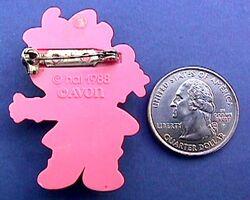 Avon pin Baby Miss Piggy verso