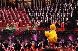 MormonTabernacleChoir-BigBirdConducting-(2014)