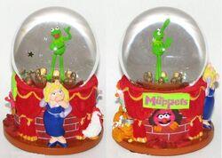 Disneymuppetswaterglobe1
