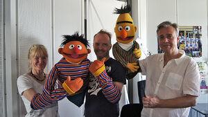 Sesamstraße-Ernie&Bert&Performers-(2012-07-26)