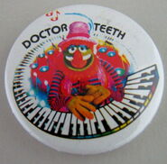 Muppet show button pin badge uk doctor teeth