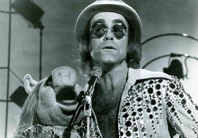 File:Elton02.jpg