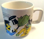 Crown lynn wind mug 3