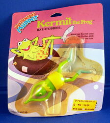 Tomy 1983 bathtubbies wind-up toy kermit