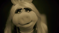 Miss Piggy Adele Hello spoof 02