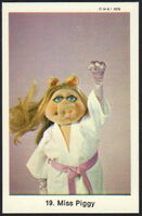 Sweden swap gum cards 19 miss piggy