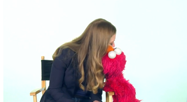 Kiss Elmo Clinton