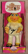 Bendy toy uk miss piggy karate 1