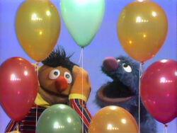 Erniecountsballoons