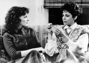 Marlee Matlin and Linda Bove