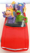 San francisco music box company kermit collection all wrapped up music box figurine 5