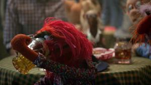 TheMuppets-S01E04-AnimalDrinkingBeer