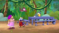 MuppetBabies-(2018)-S02E11-GonzosCleanSweep-TableForAMonkeyBeachParty