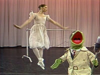 KermitNews-ballerina-jumping