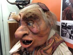 Unclaimed Baggage Center - Hoggle 04