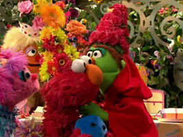 Kiss elmo little red