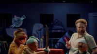 MuppetsNow-S01E06-SethRogenChecksMonitor