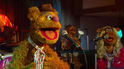 TheMuppets-TheMoopets-TheRainbowConnection-(2012)