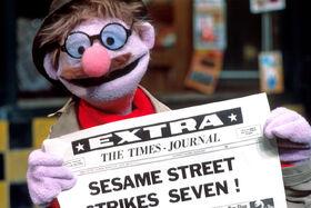 Headline Howie color