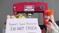 MuppetsNow-S01E05-BeakersSpecialBelongings