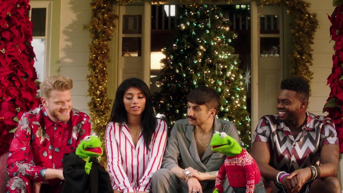 a very pentatonix christmas - Christmas Pentatonix