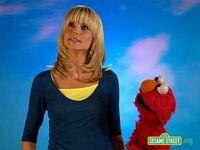 Backstage with Elmo - Heidi Klum